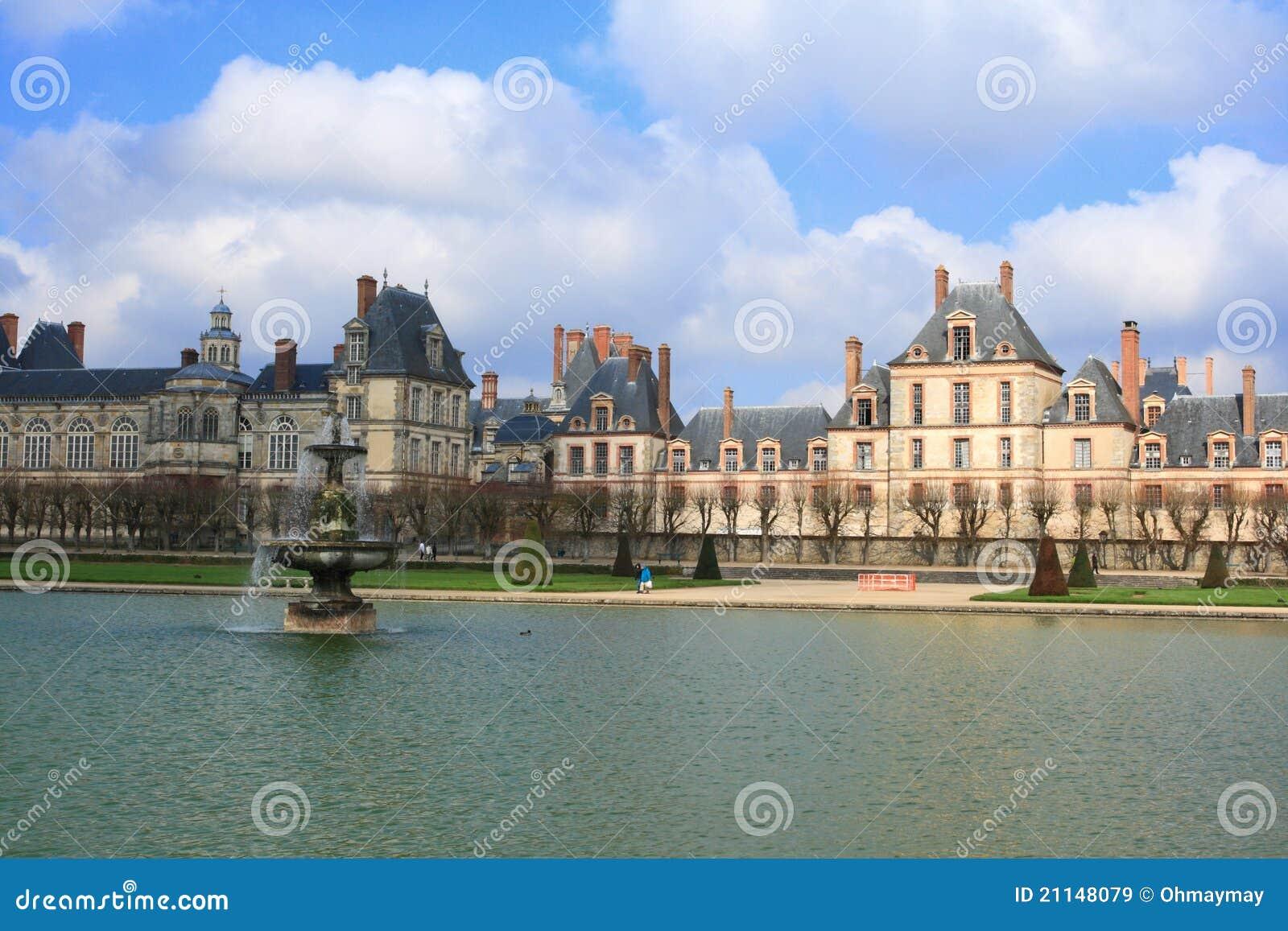 Дворец Fontainebleau и озера, Франции