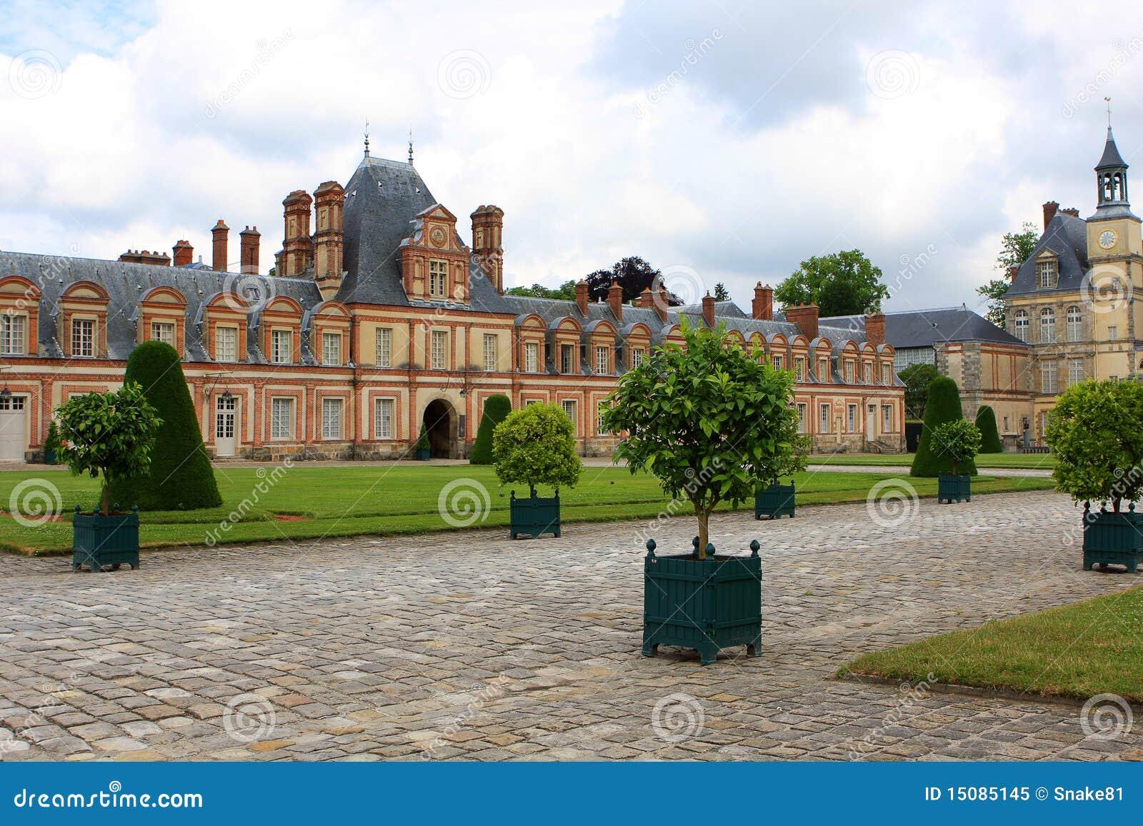 дворец fontainebleau