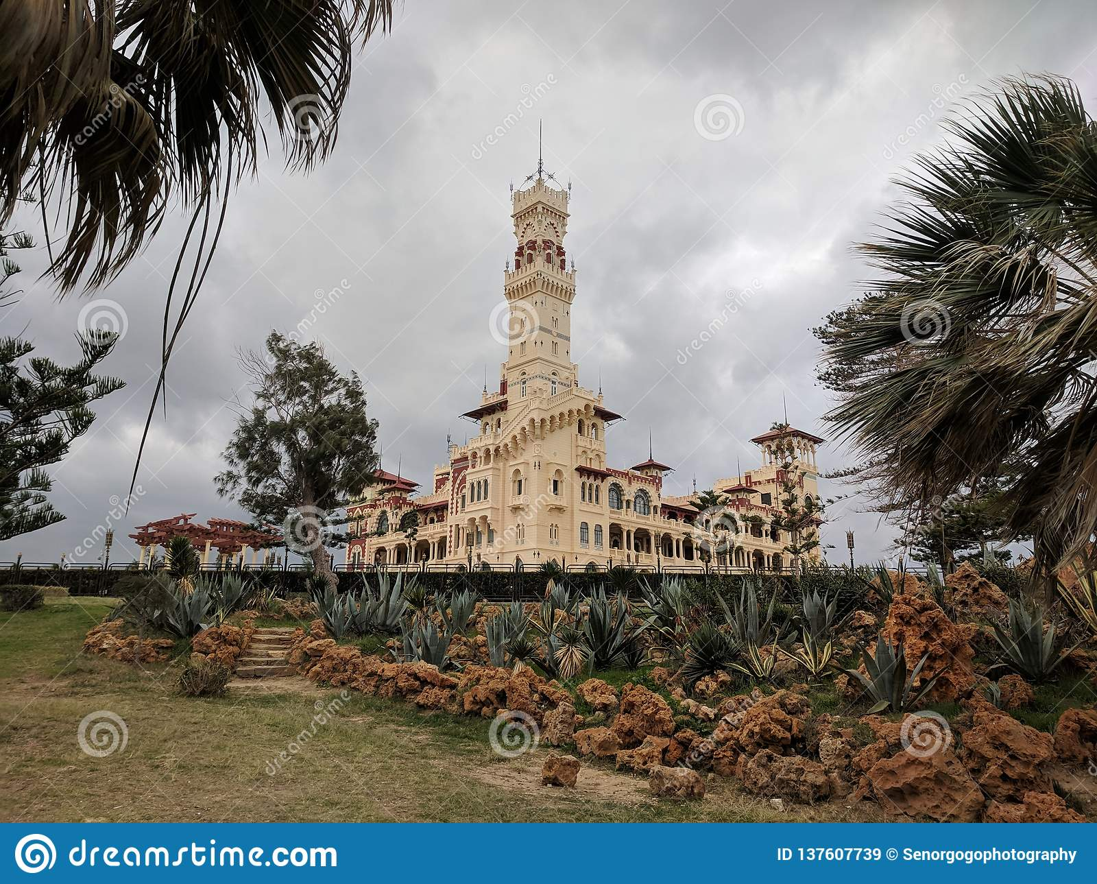 Дворец Montazah