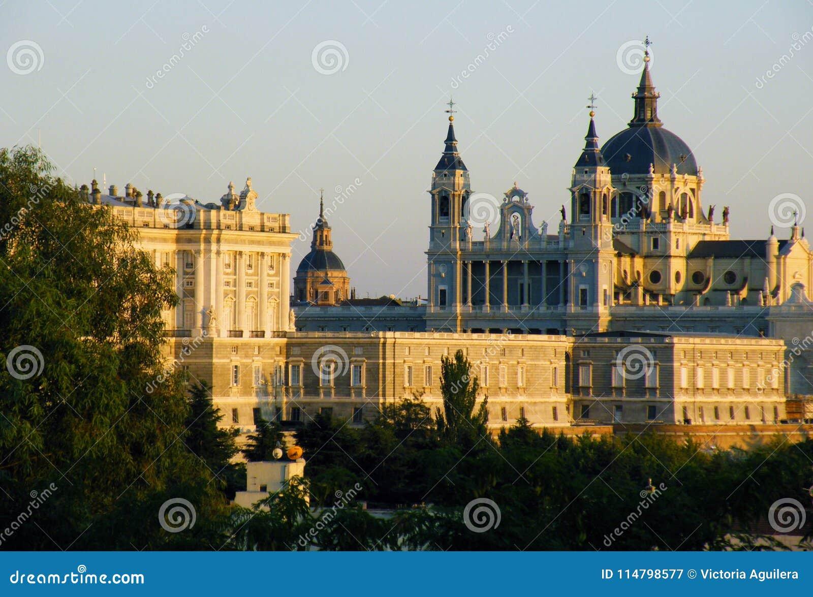 Дворец ` s Мадрида королевский