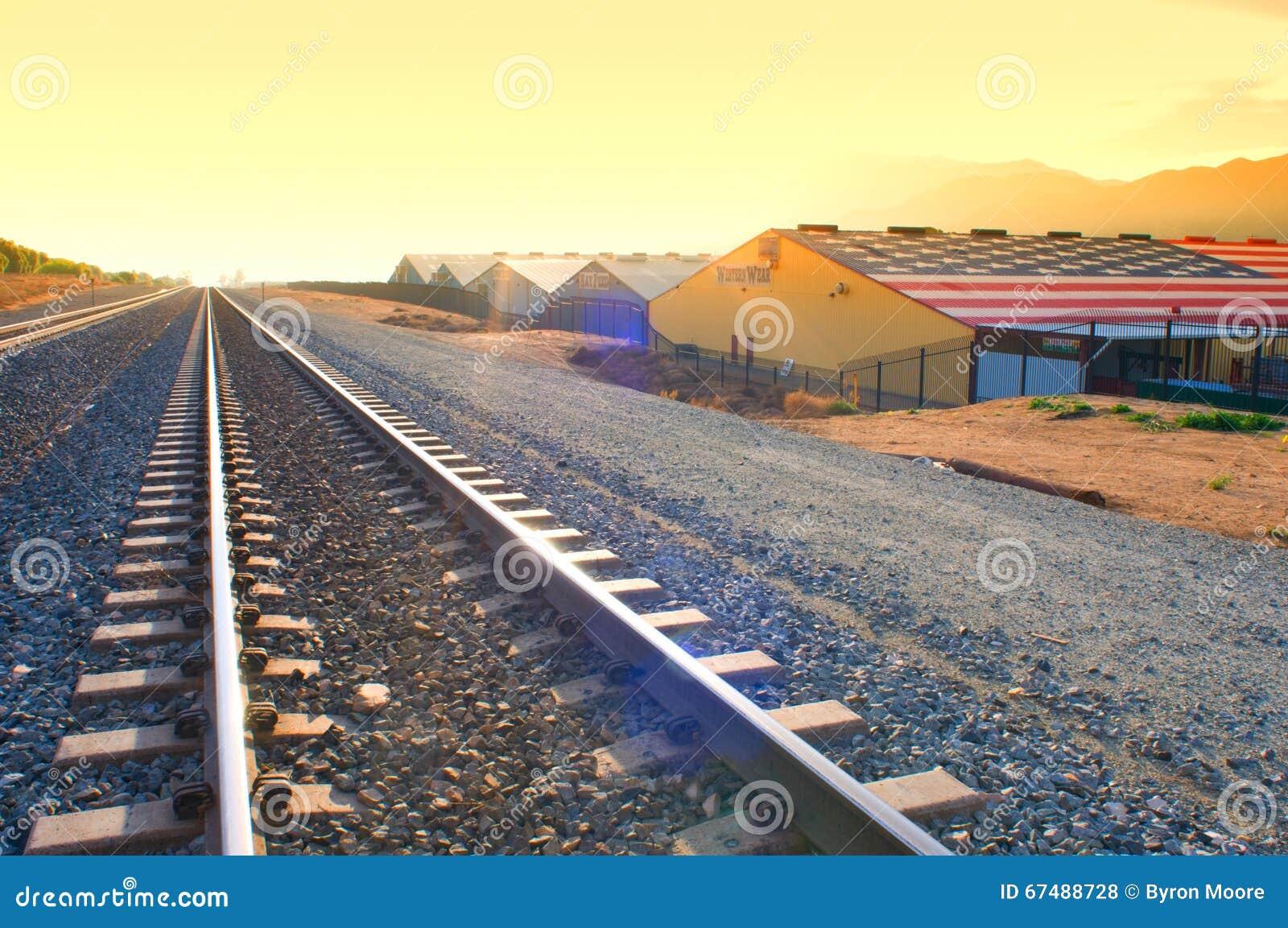 Дебошир nearThe следов поезда поднял