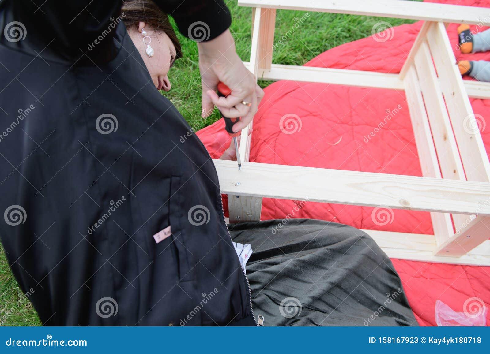 Мужская работа девушка девушка модель для одежды женщина работа