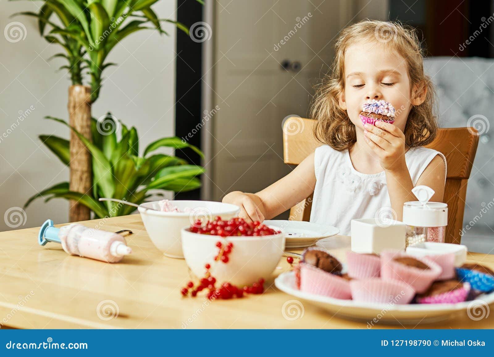 Очень вкусная девушка, фото большой попки в сперме