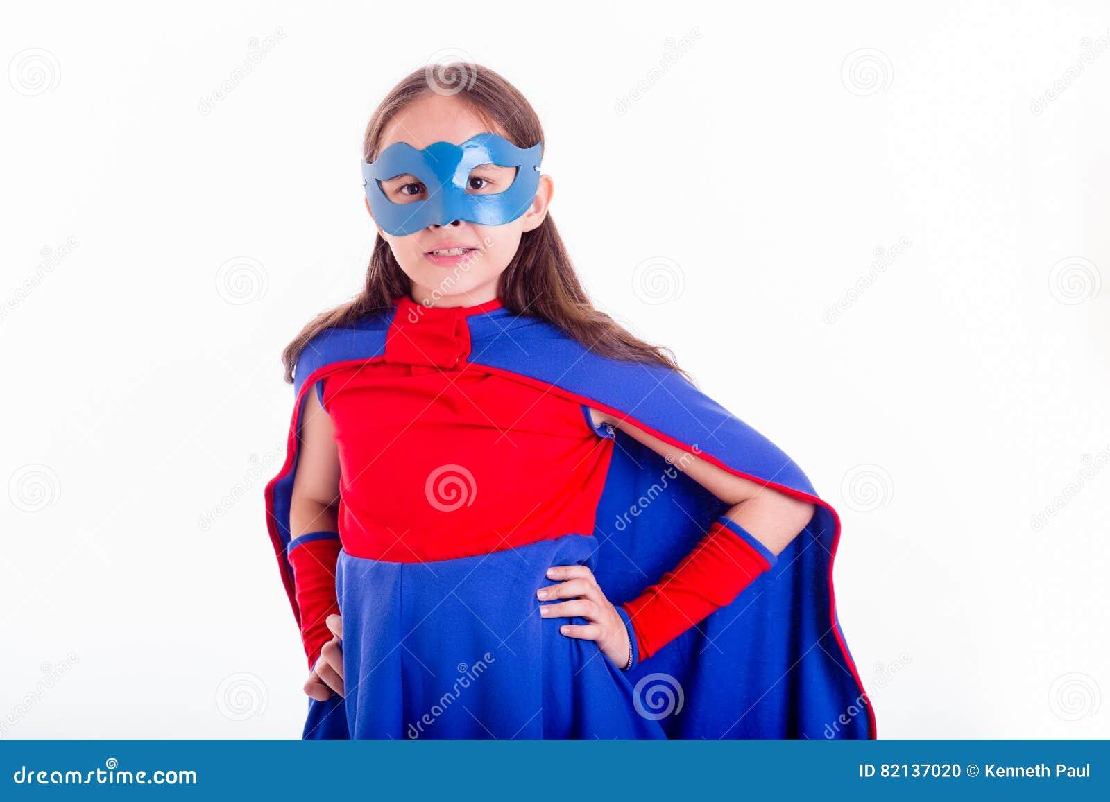 Девушки в костюме супергероев