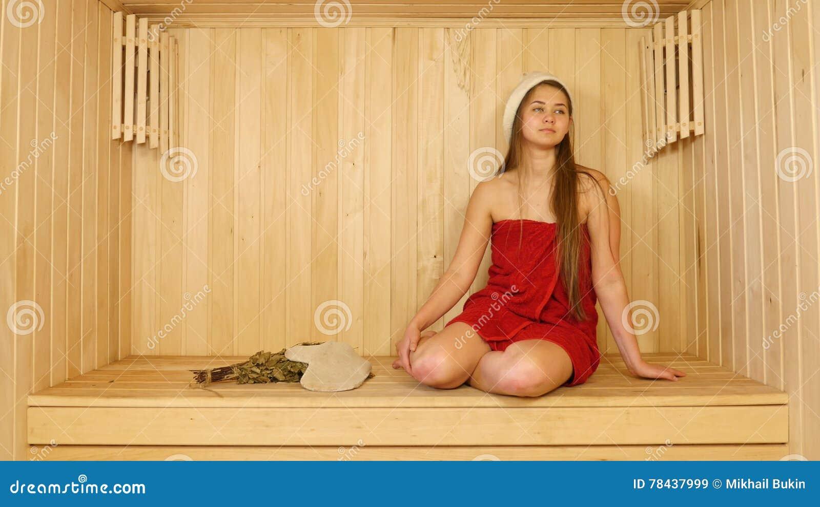 Фото голых баб за 50 в бане, Голые девушки в бане - красивые русские бабы 21 фотография