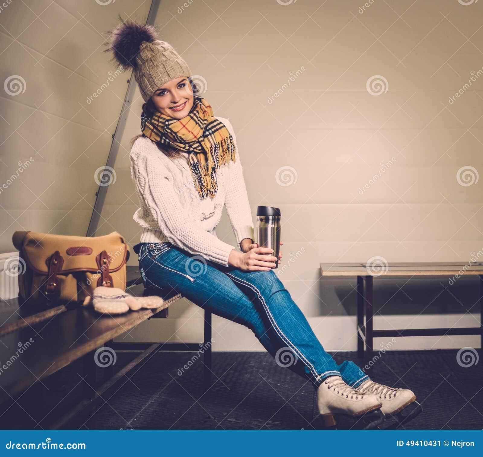 девушка на раздевалке