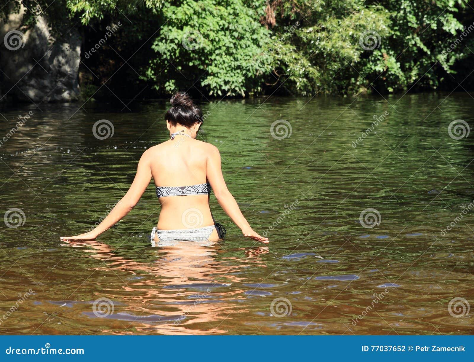 Работа на реке девушки модельный бизнес константиновск