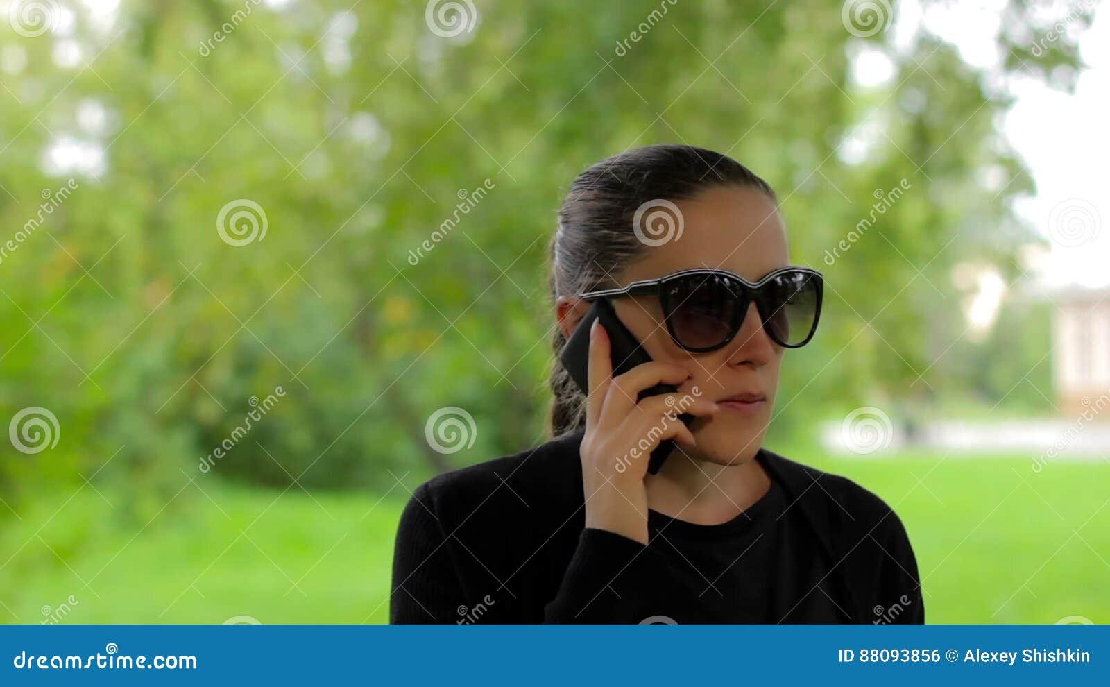 Девочка кончает на вэб камеру