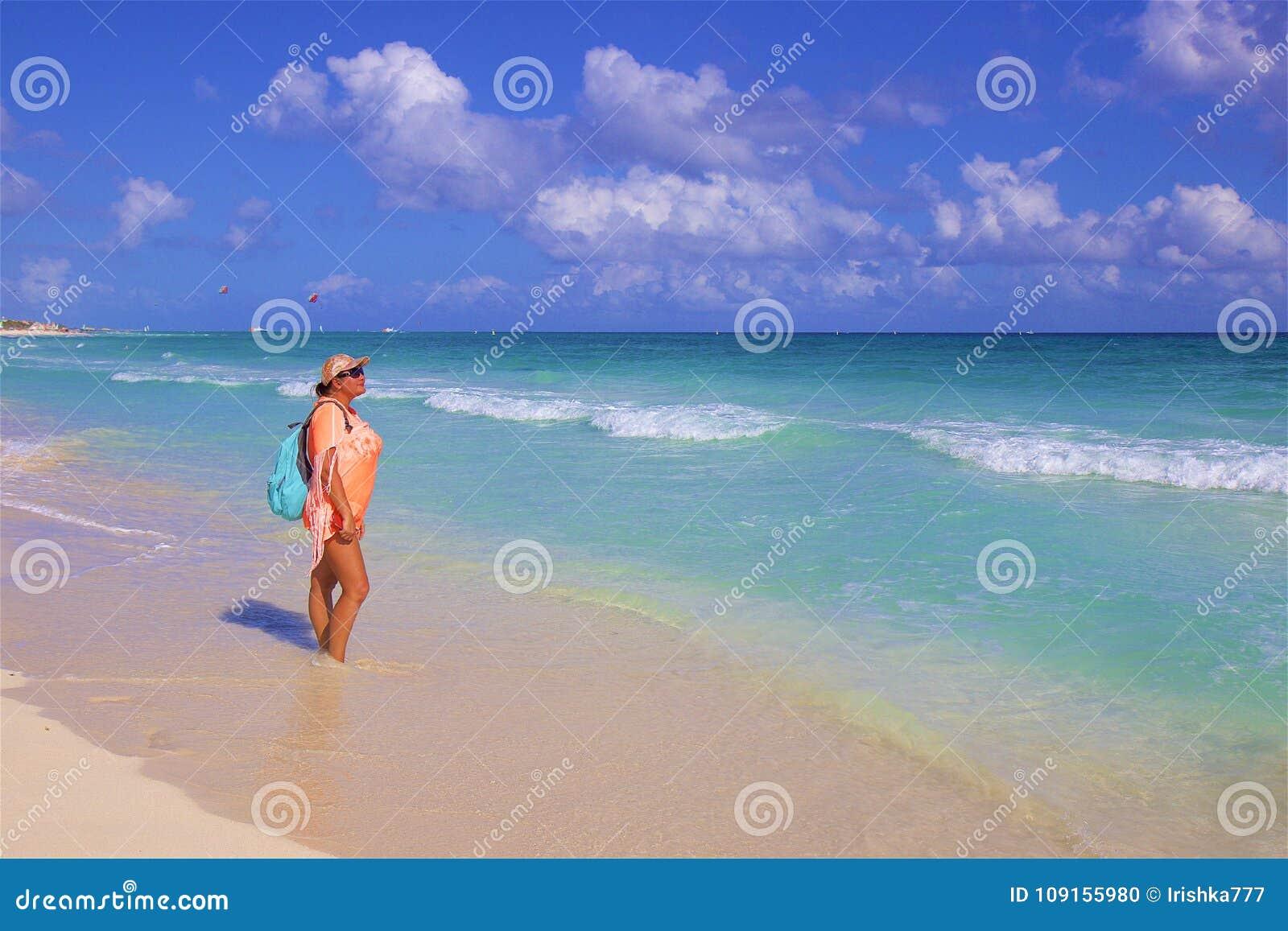 Девушки на мексиканский пляж