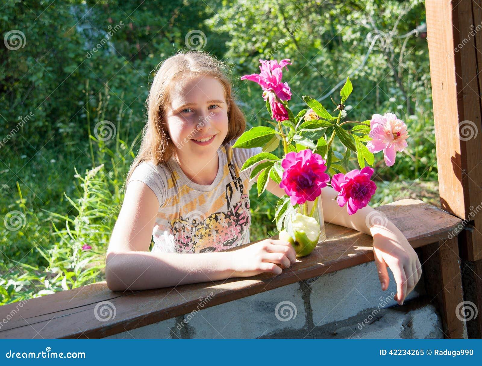Фото девушек на даче, высокие порноактрисы каталог