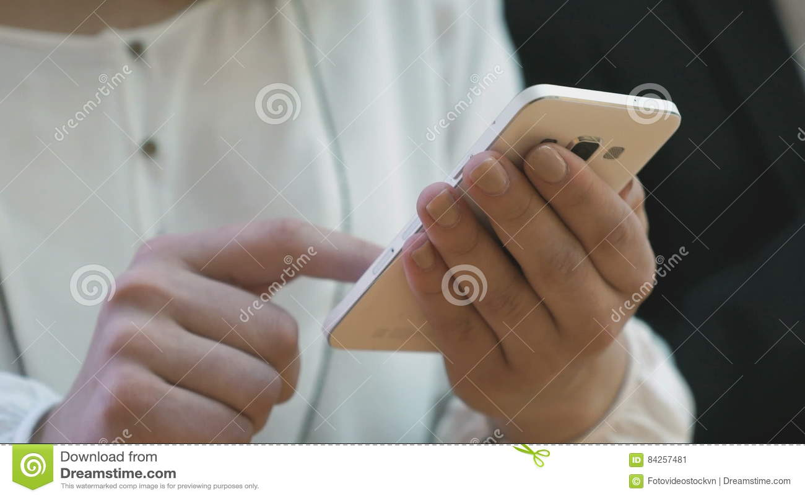 Осматривают девушек фото