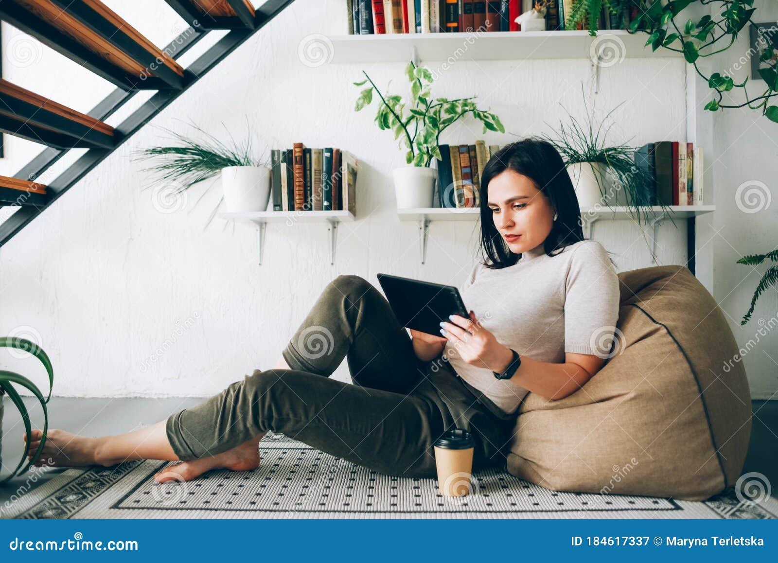 Работа в интернете для девушек с камерой веб девушка модель casablanca кто она