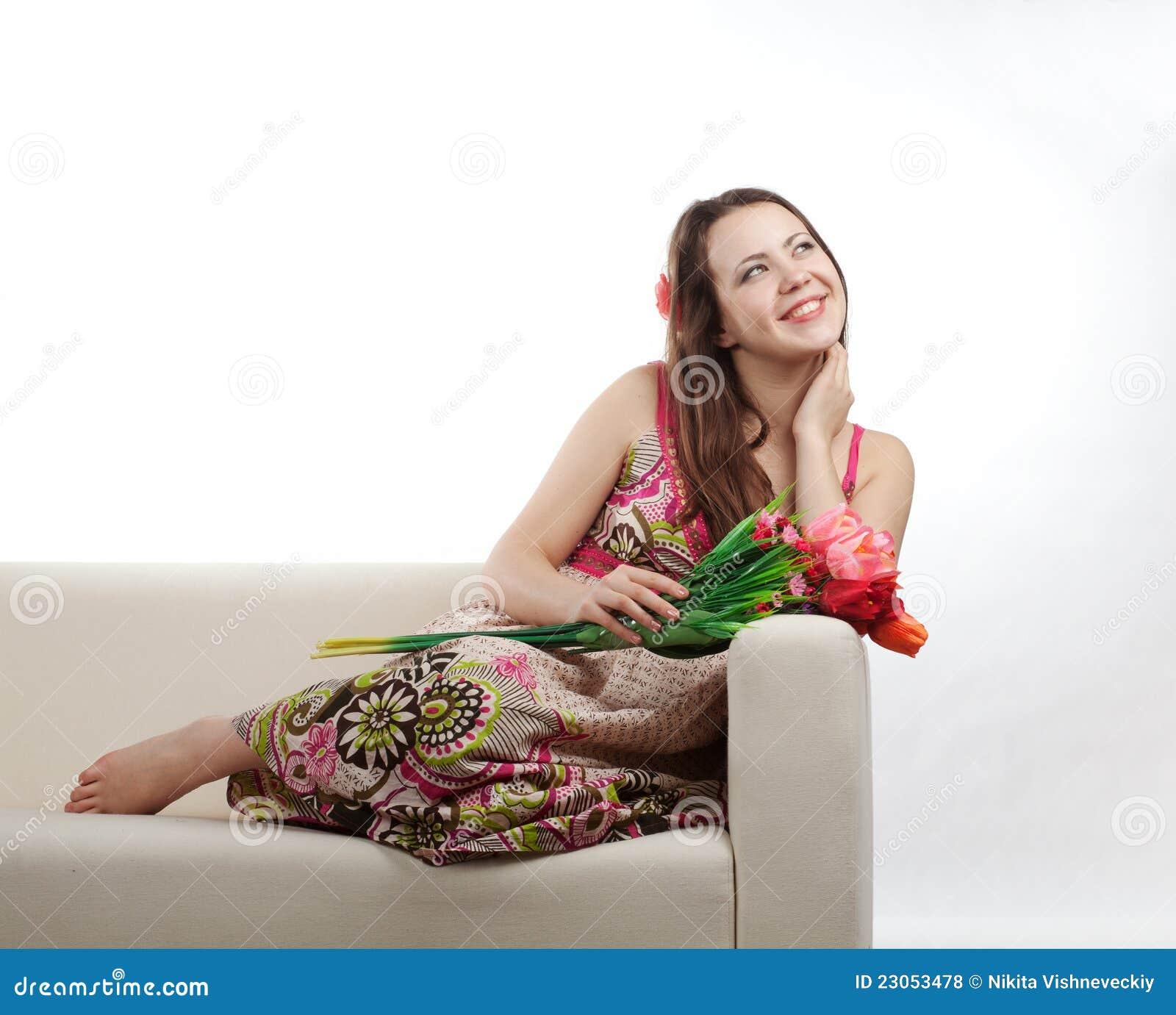 Девушка с букетом