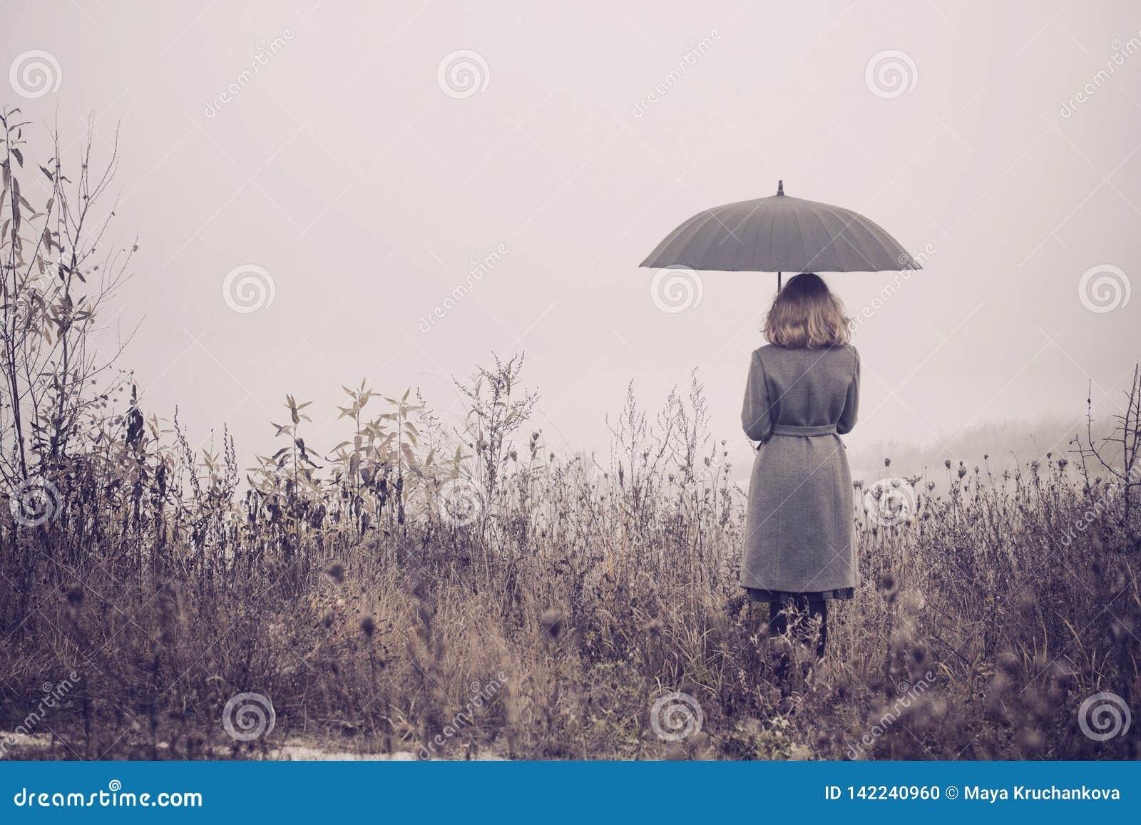 девушка с зонтиком. картинки