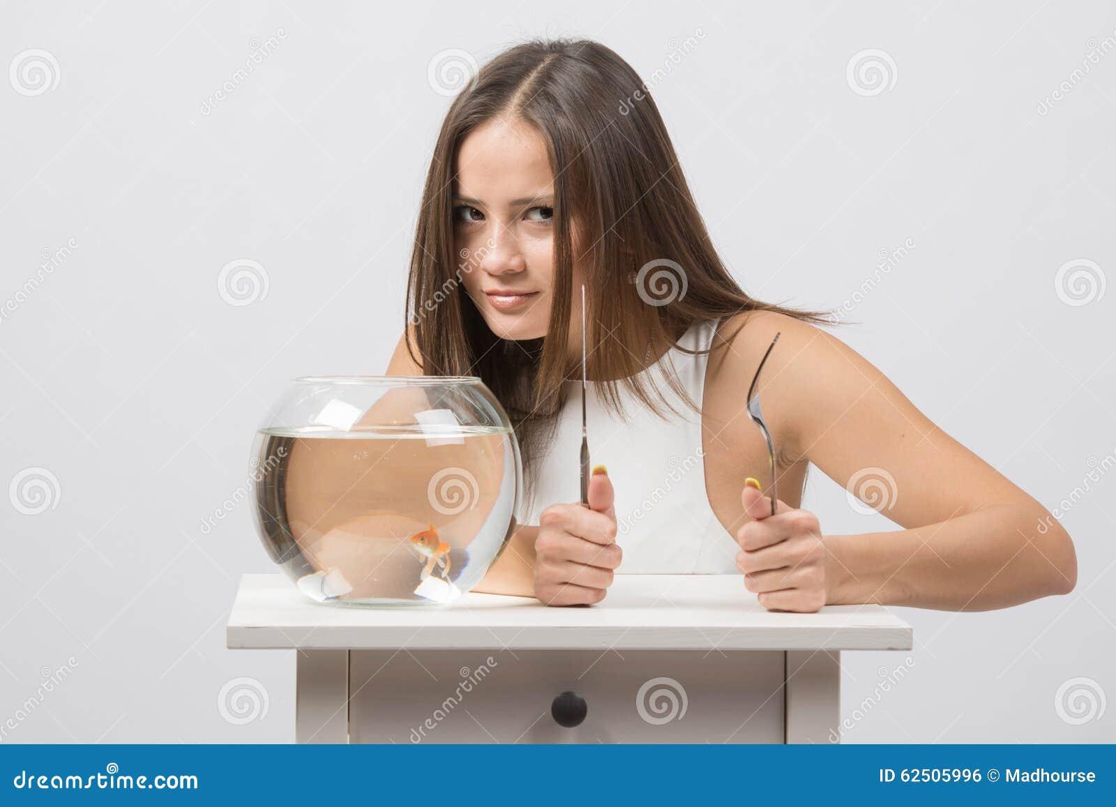 Фотки рыбку девушка