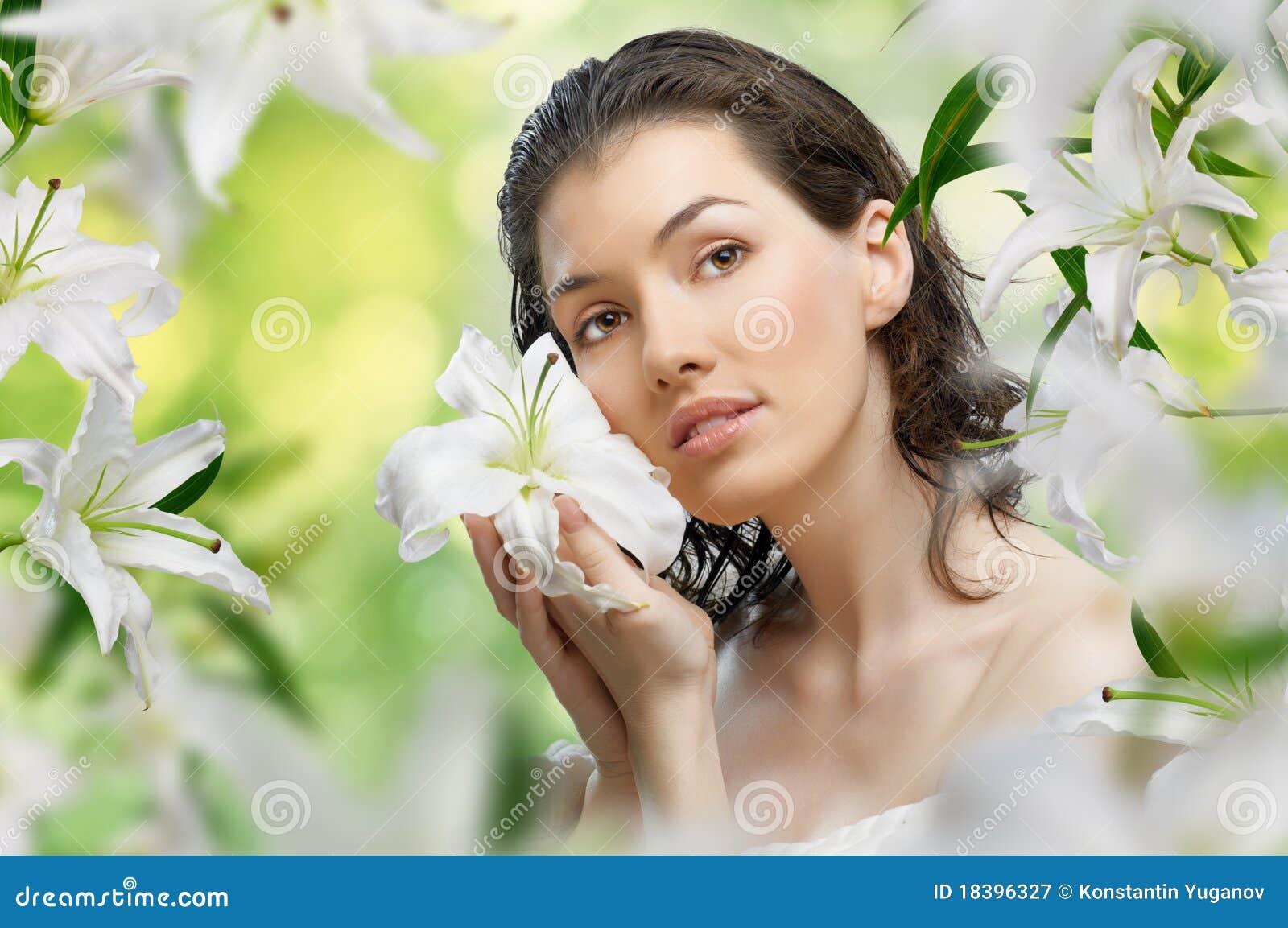 девушка цветка
