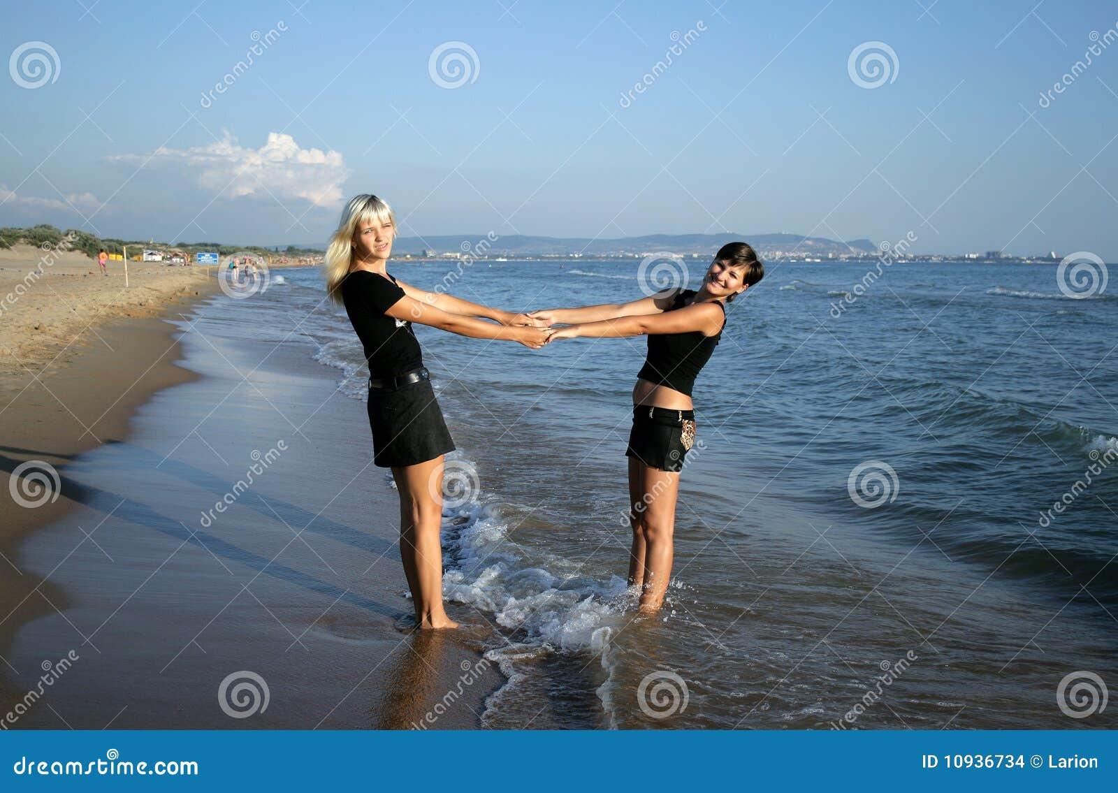 девушки 2 пляжа
