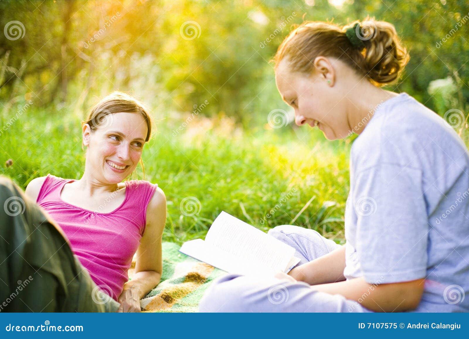 девушки outdoors