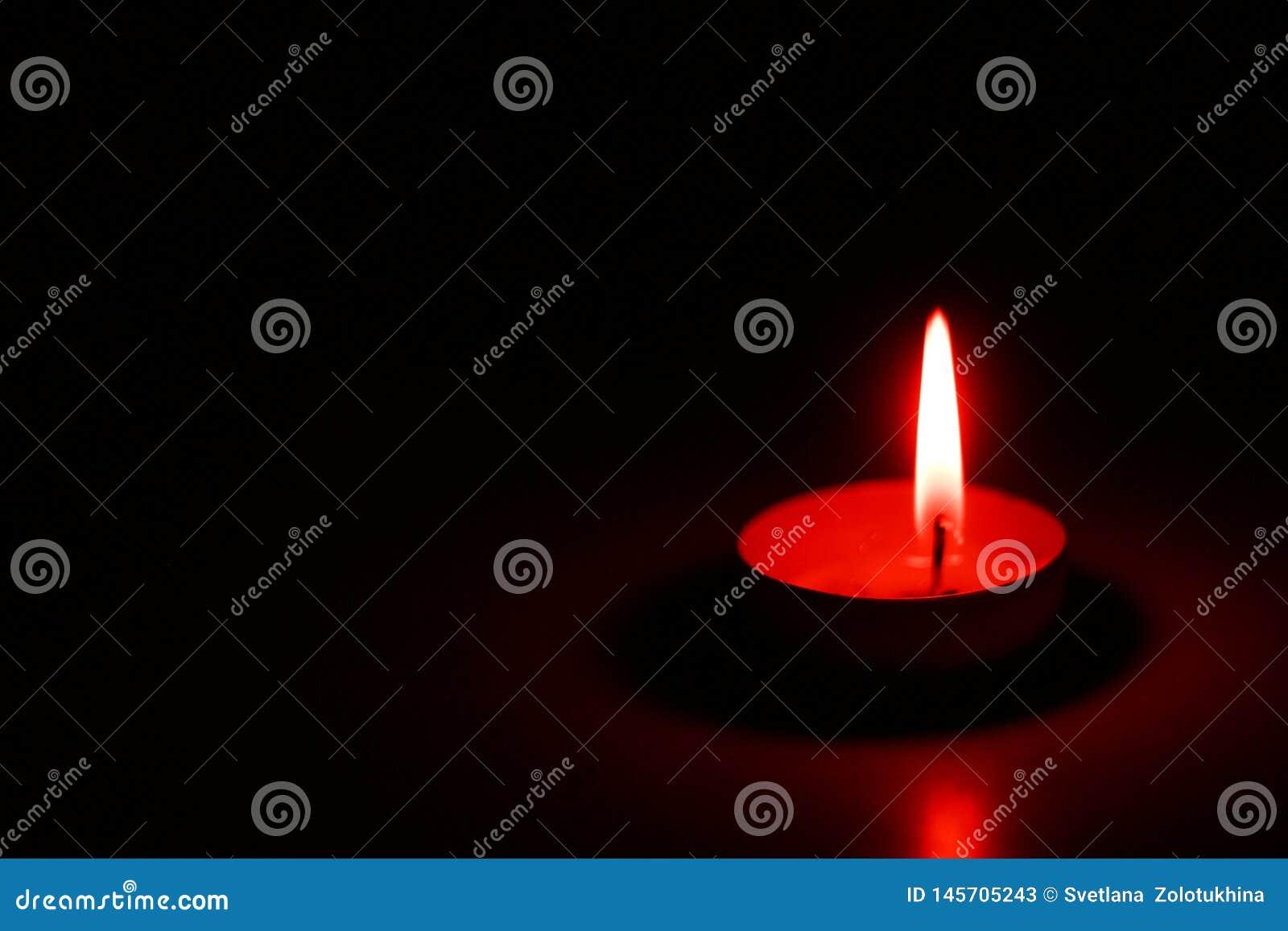 Декоративные свечи чая на парафине или таблетках