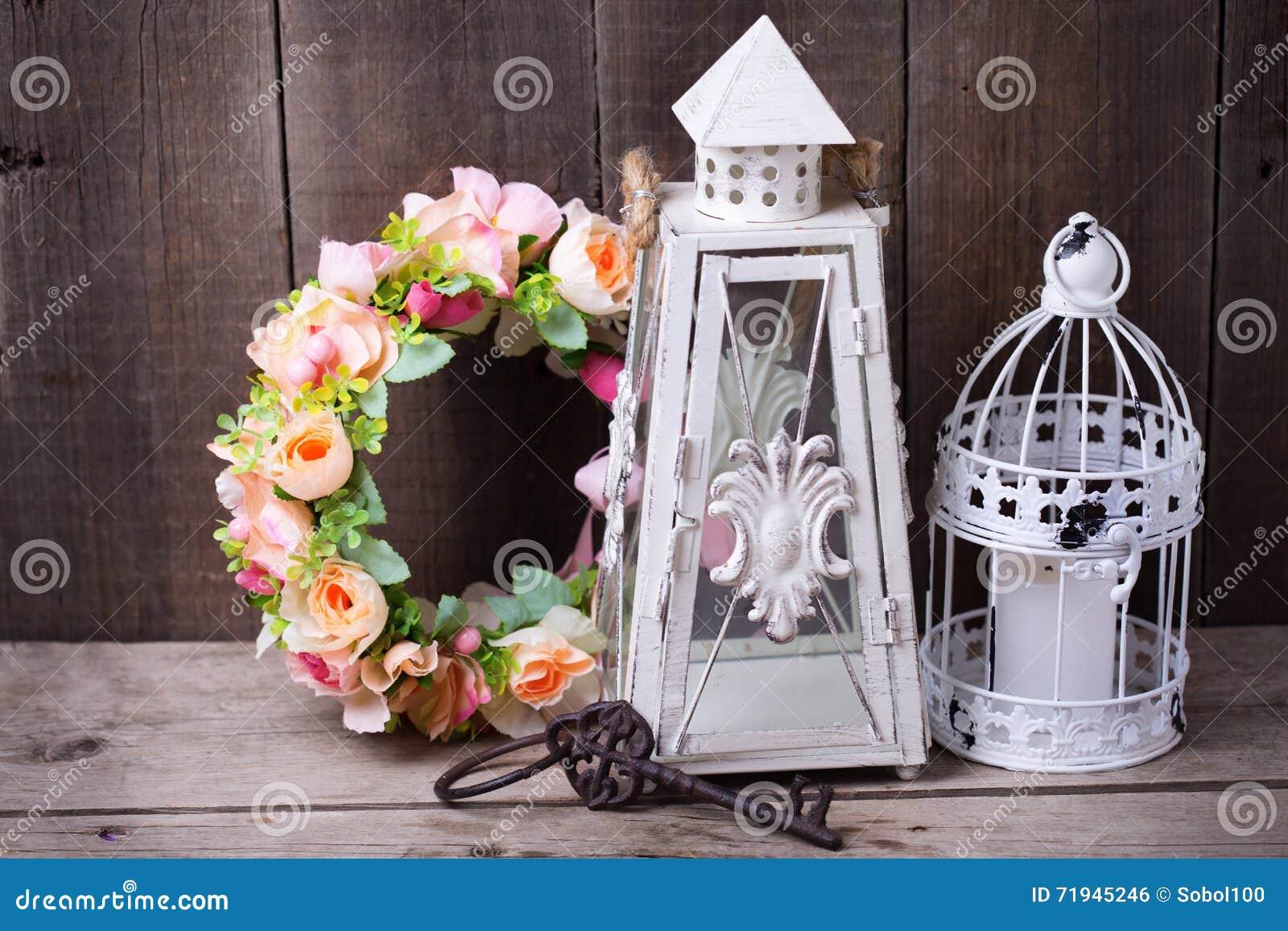 Декоративные фонарики венка цветка, ключевых и декоративных с candl