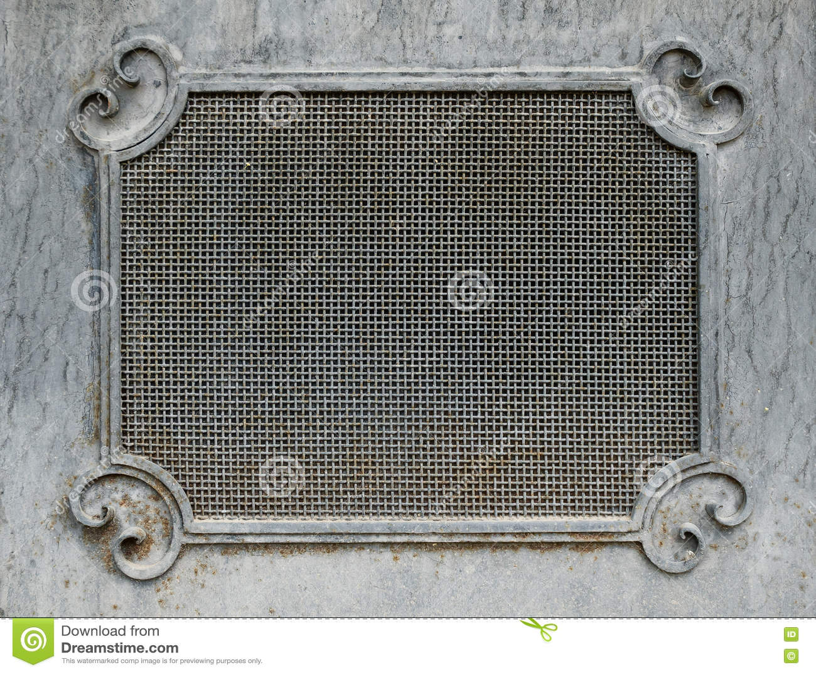 декоративный гриль металла на двери стоковое фото
