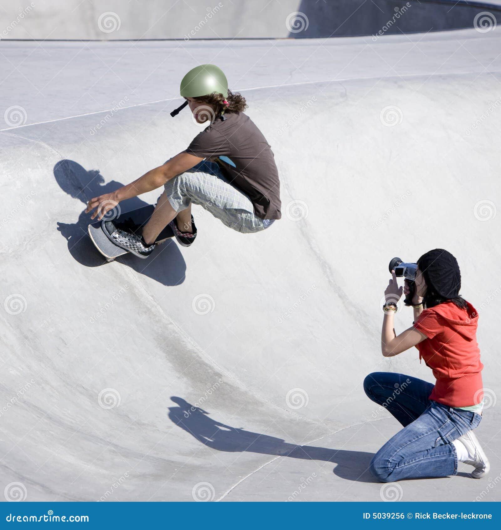делать видеосъемку скейтборда действия