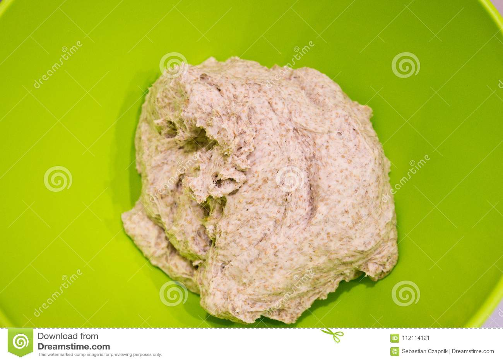 Делать из домодельного круглого хлеба