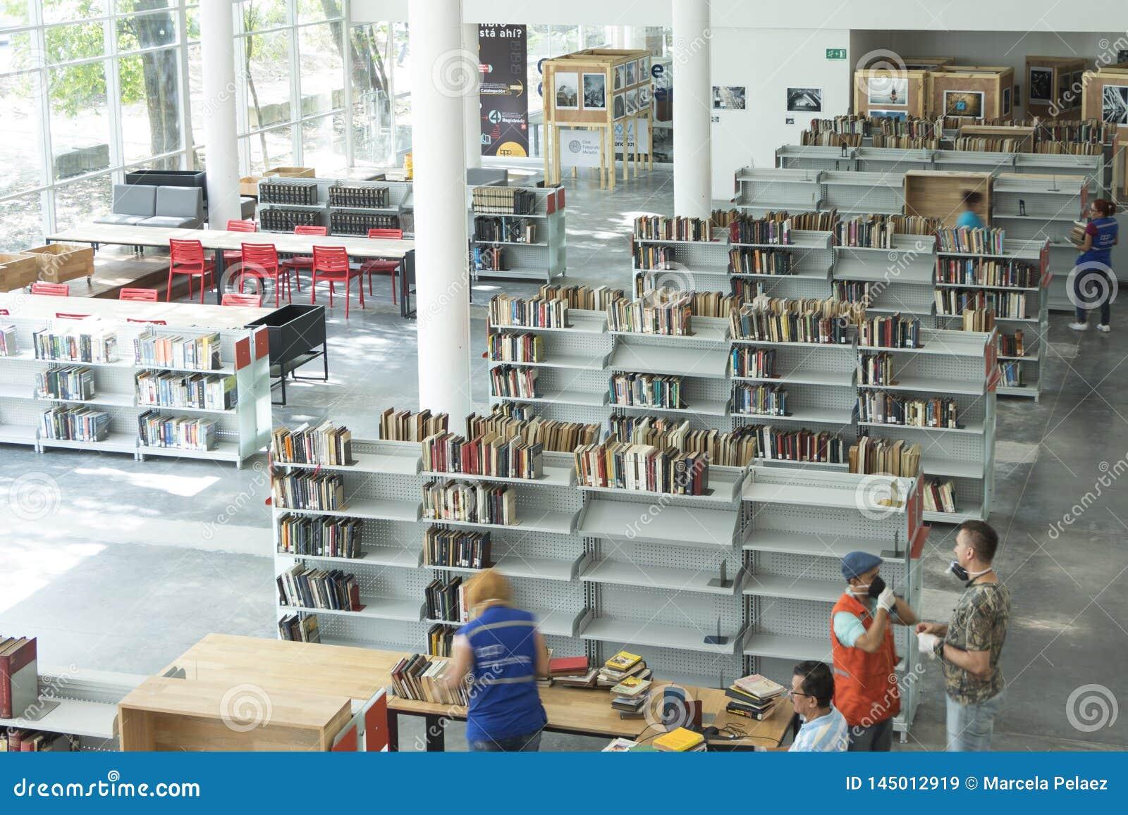 День открытия декабрь 2018 piloto pública biblioteca medellin публичной библиотеки