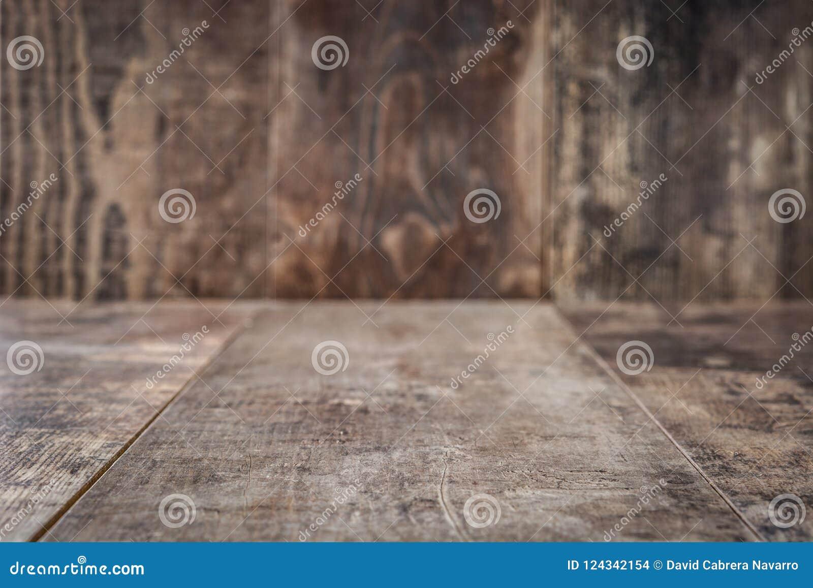 Деревенская предпосылка деревянного стола пусто