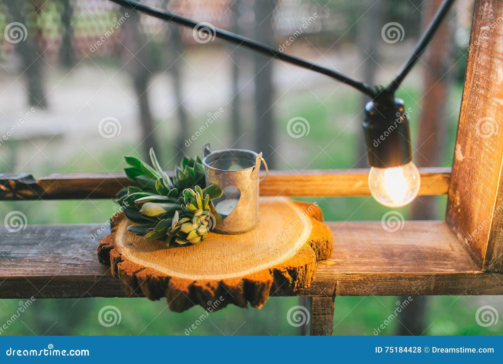Деревенское оформление свадьбы, украшенная деревянная циновка с succulent