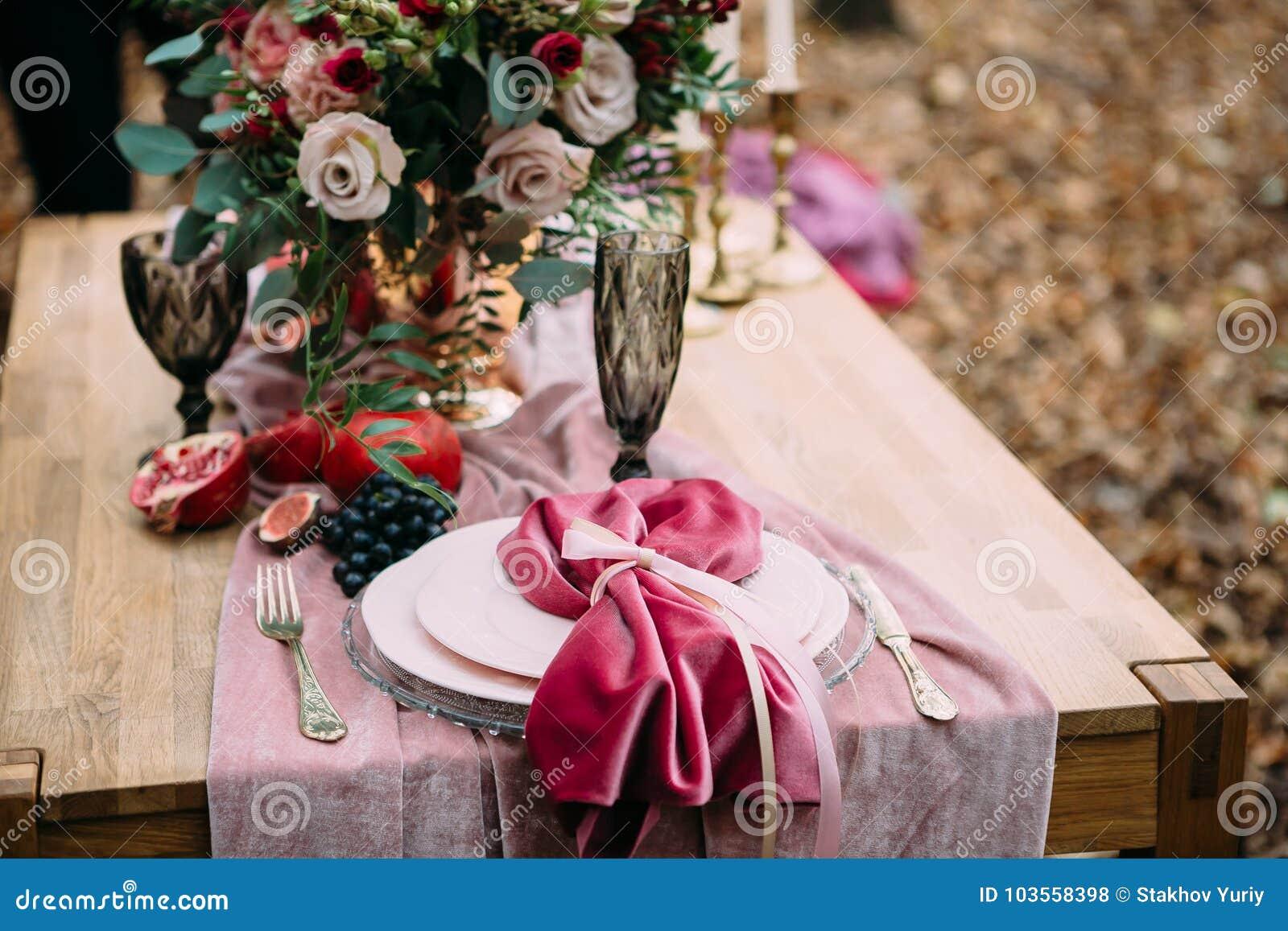 Деревенское украшение свадьбы для праздничной таблицы с красивым составом цветка Свадьба осени asama