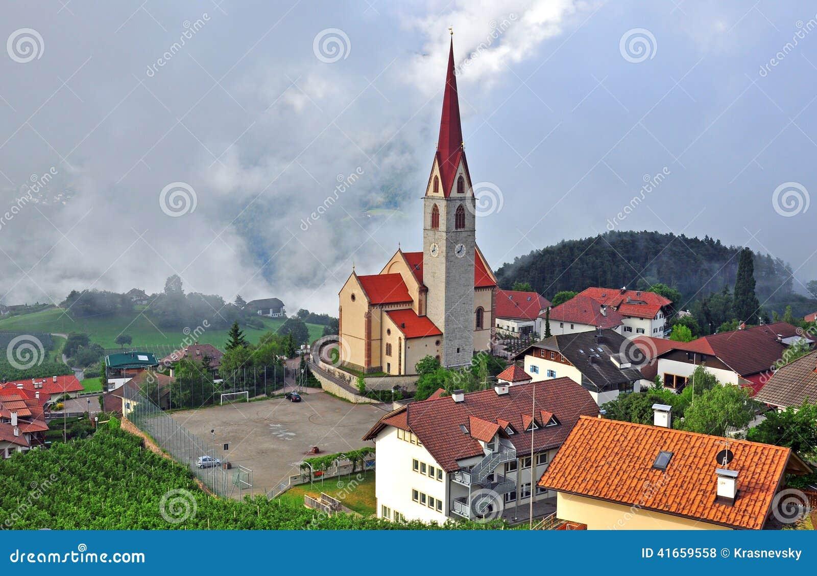Деревня в Тироле