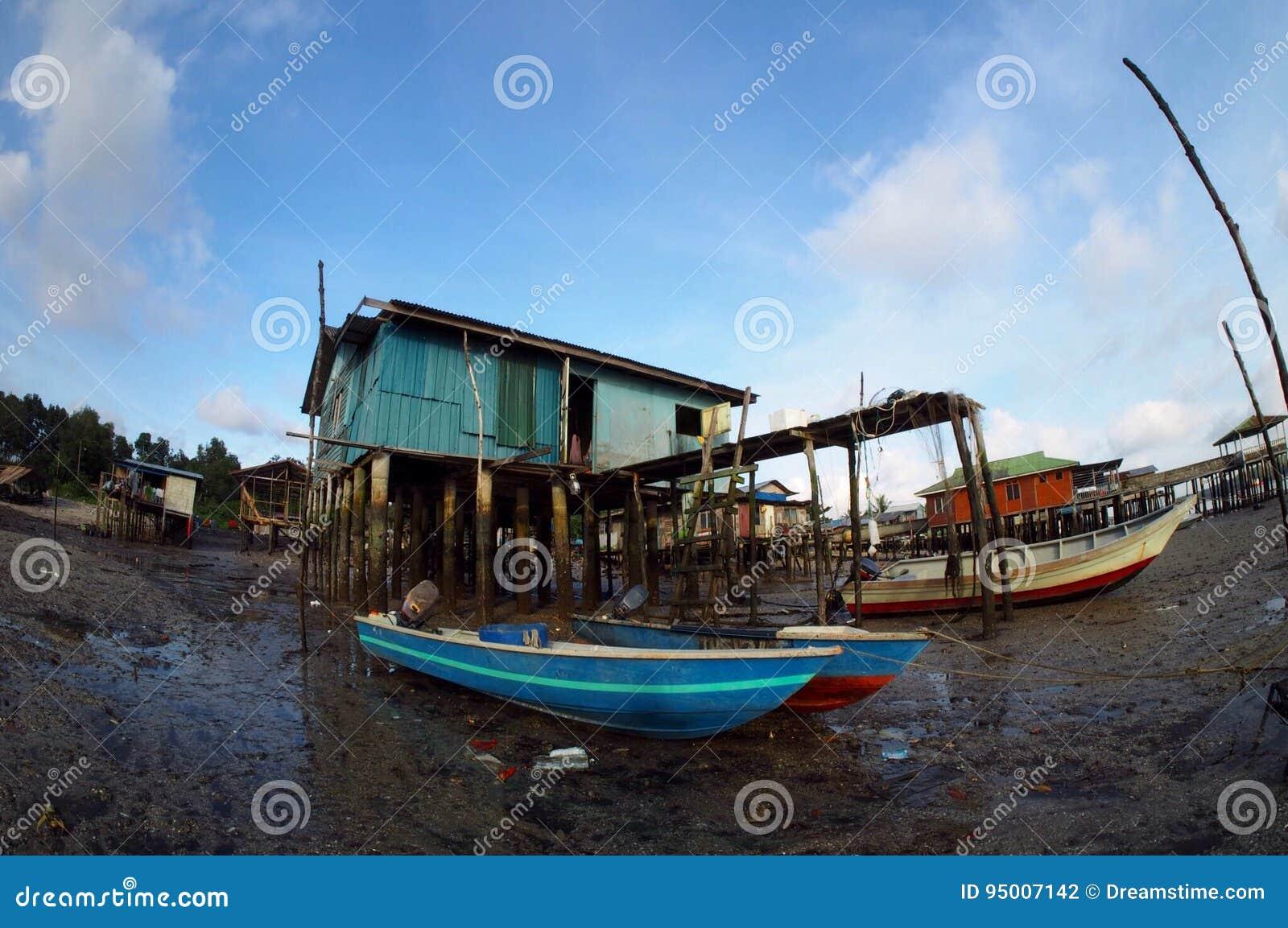 Деревня рыболова