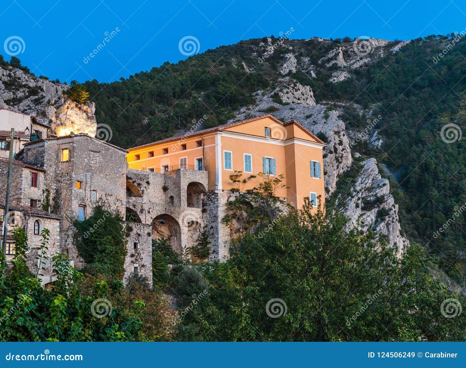 Деревня Peille горы старая, Провансаль Alpes, Франция