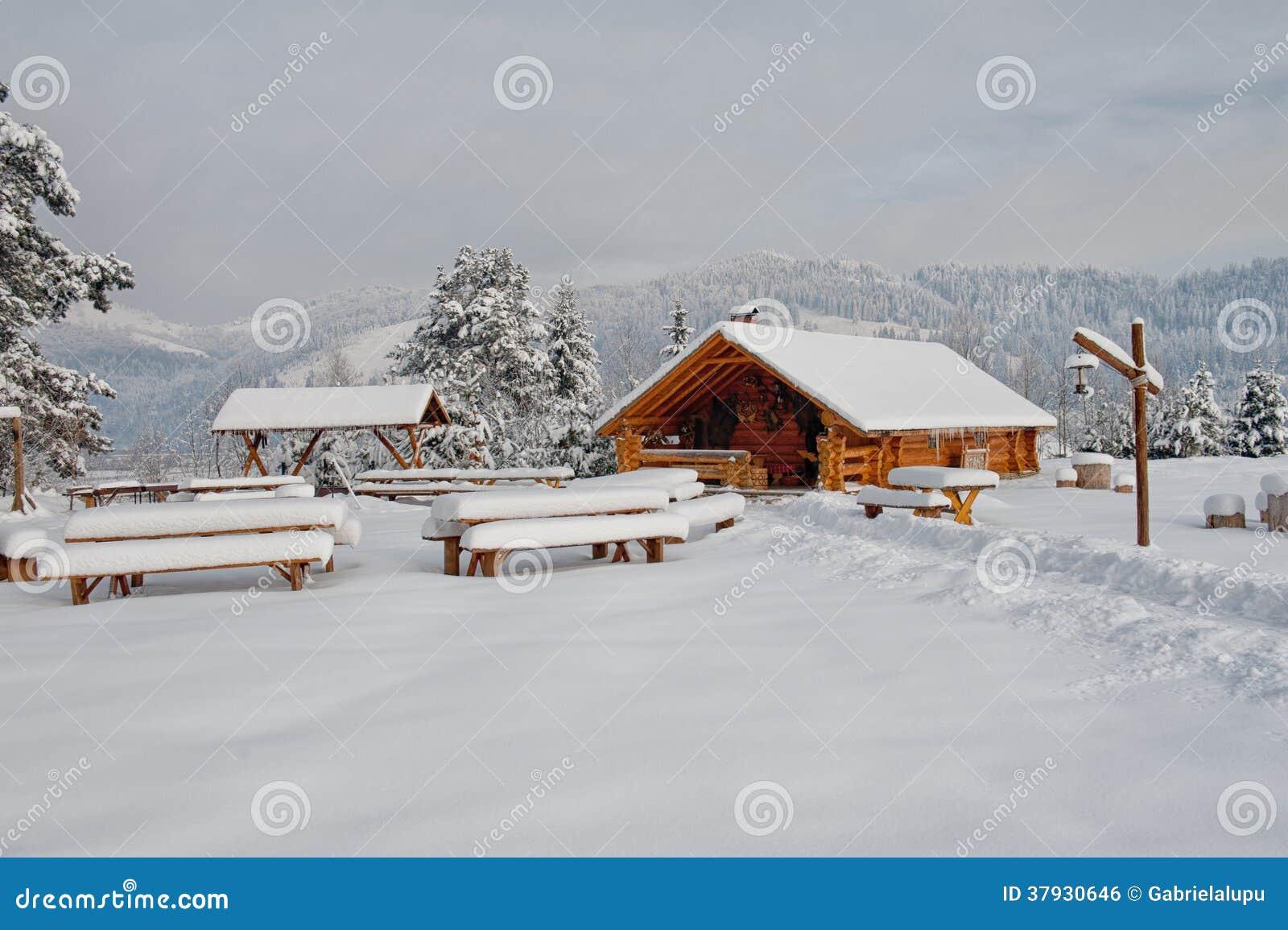 Деревянная кабина