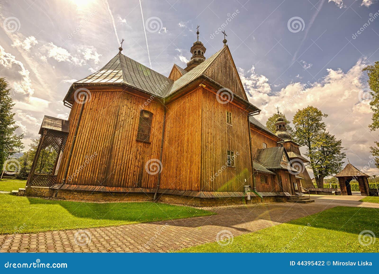 Деревянная приходская церковь непорочного зачатия в Spytkowice,