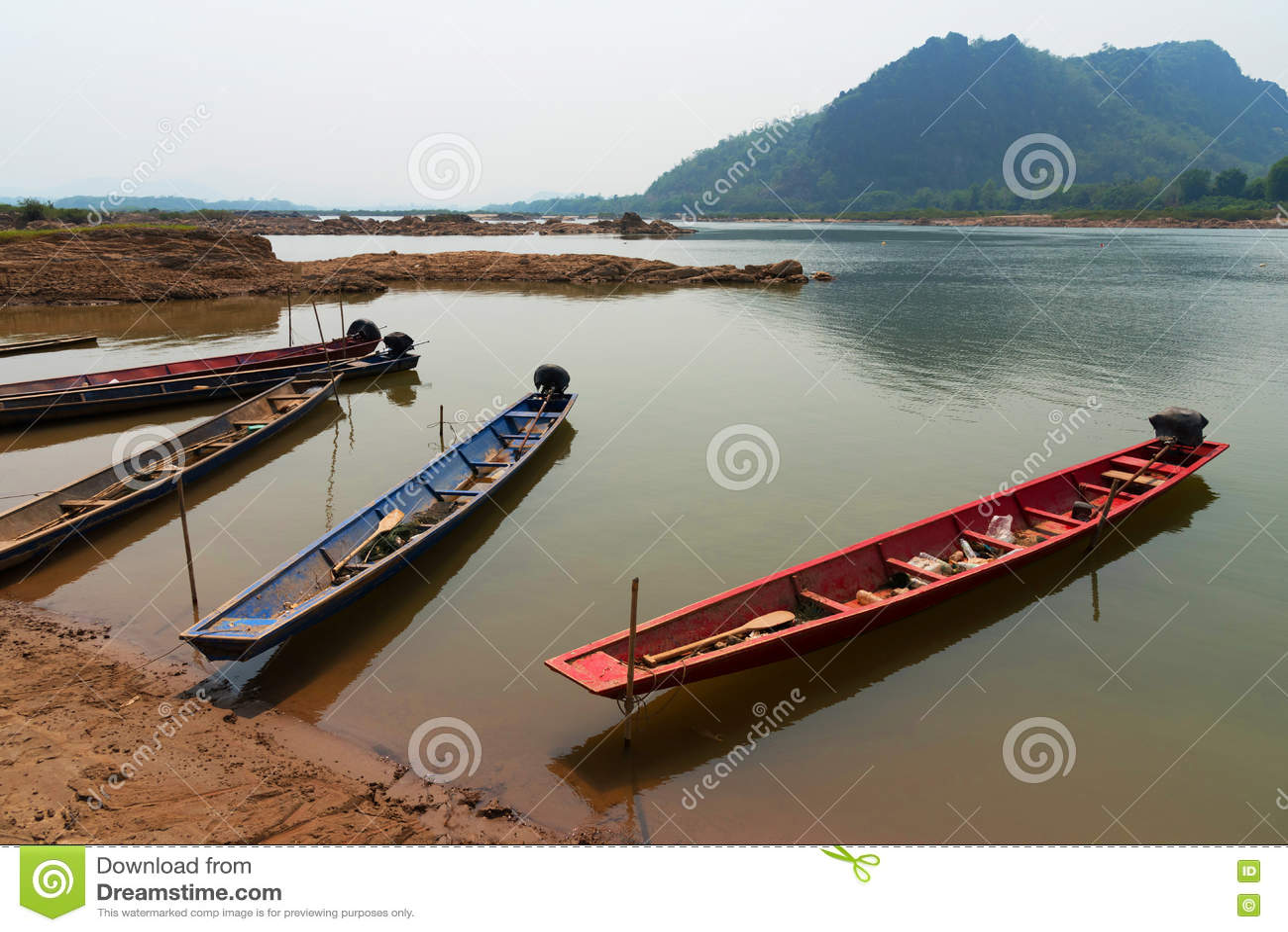 Деревянные шлюпки - рыбацкая лодка