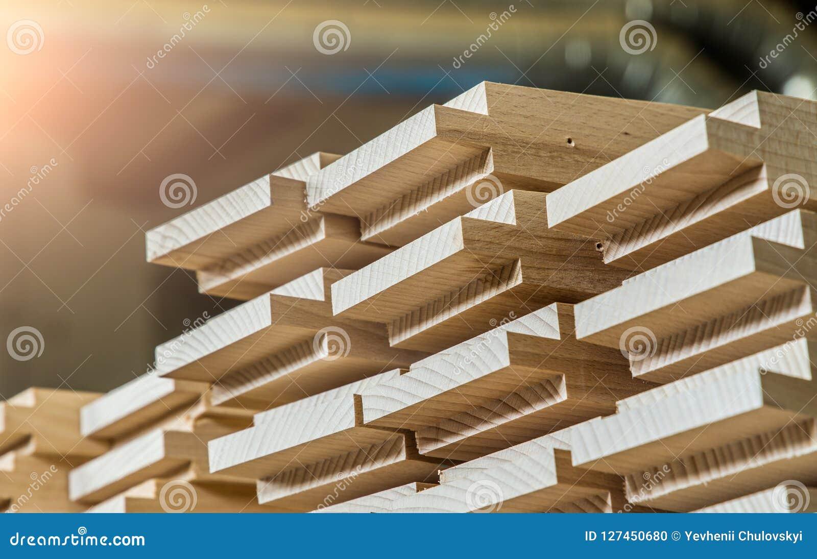 Деревянный конструкционный материал тимберса для предпосылки и текстуры детализирует деревянный шип продукции изделия из древесин