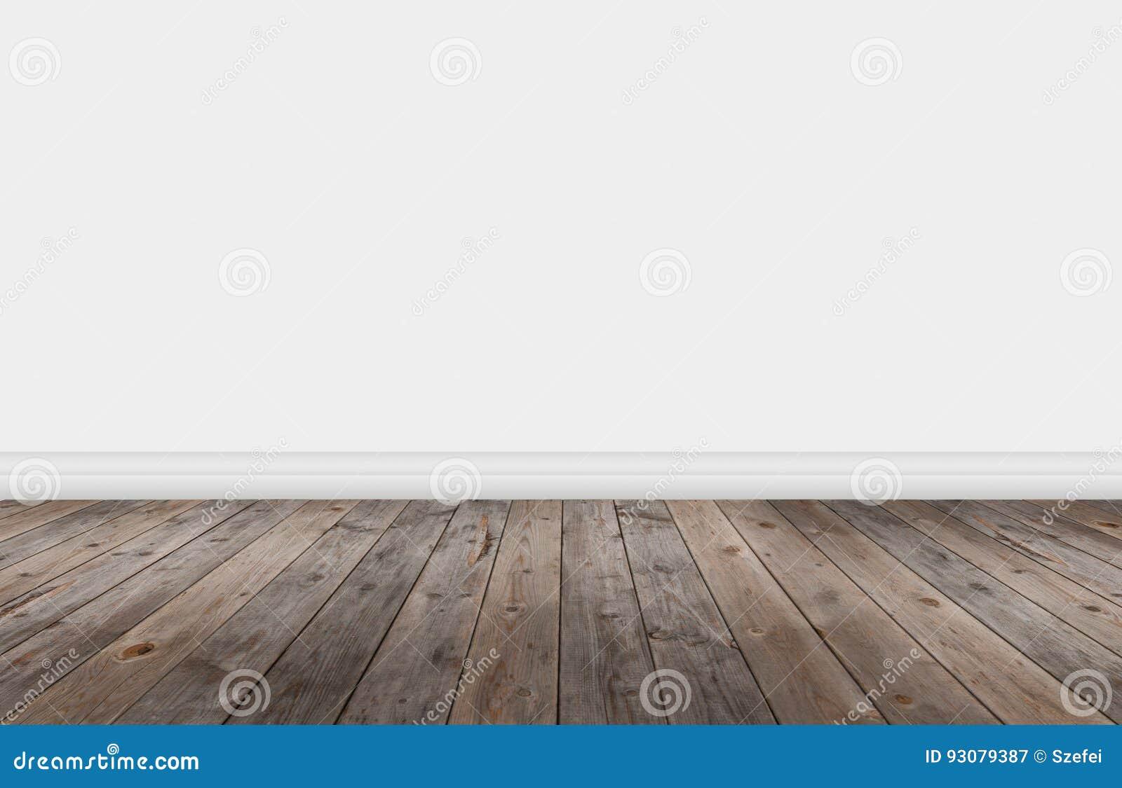 Деревянный настил с стеной