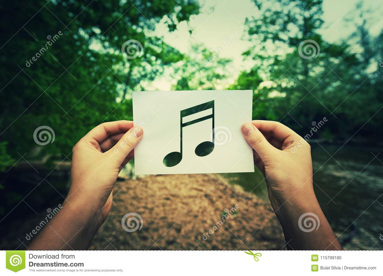 Держать примечание музыки