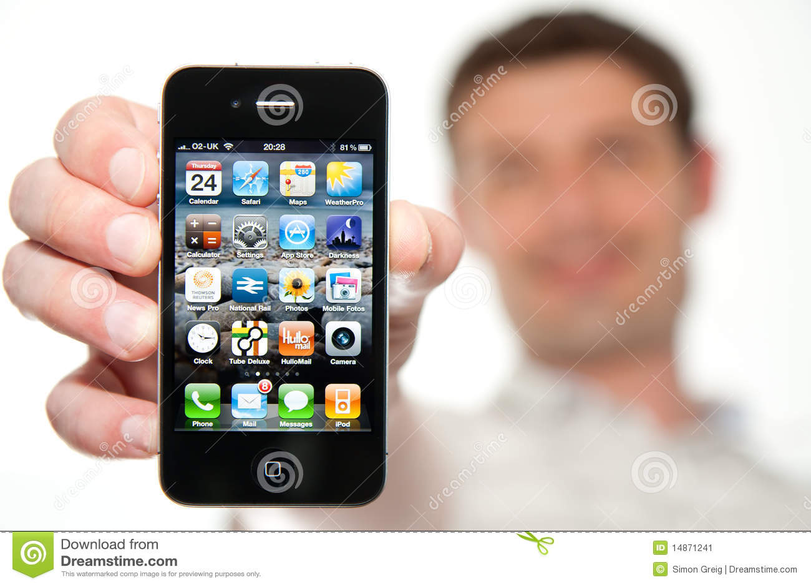 держа человек iphone 4 новый