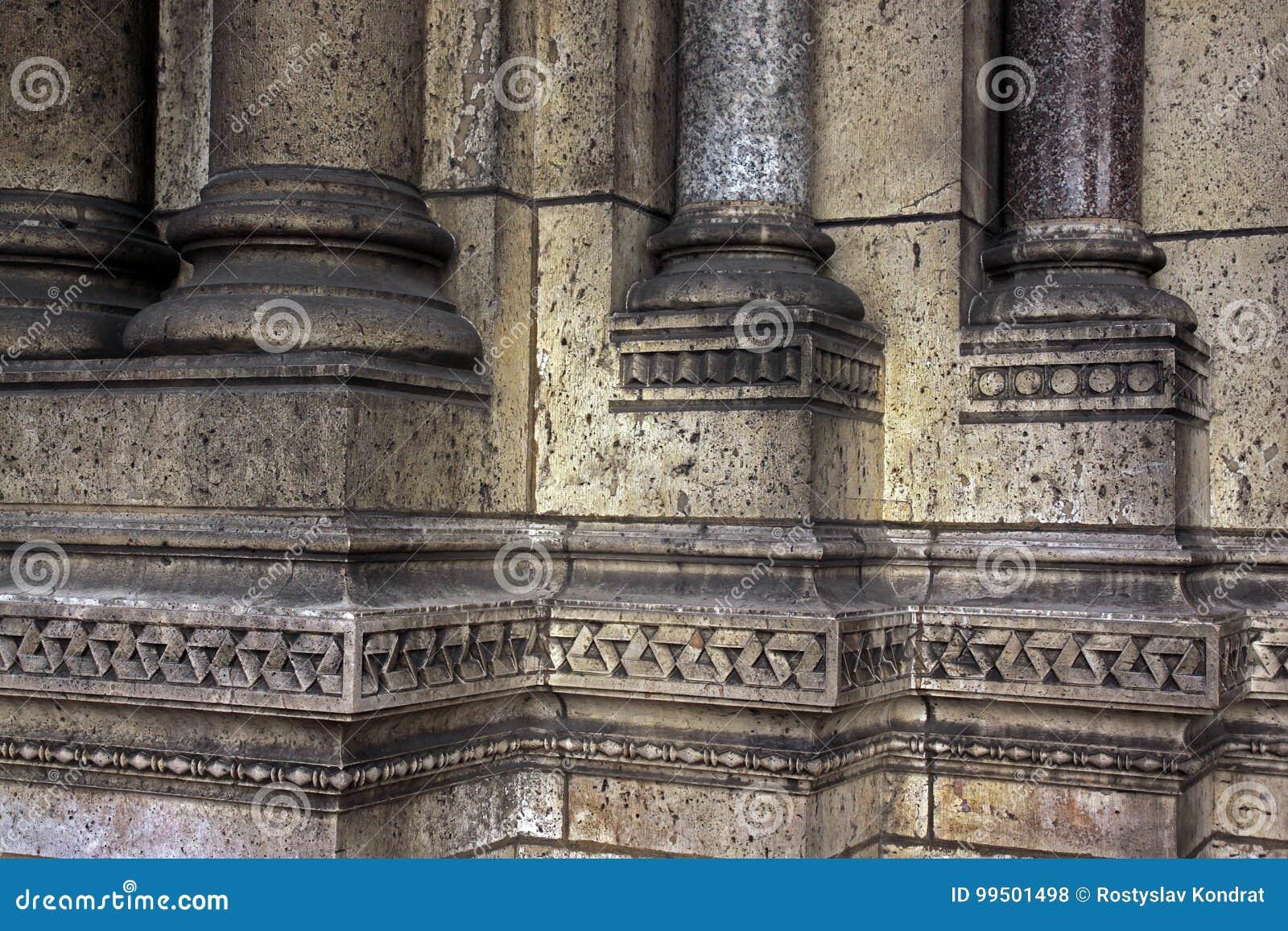 Деталь архитектуры базилики Sacre Coeur