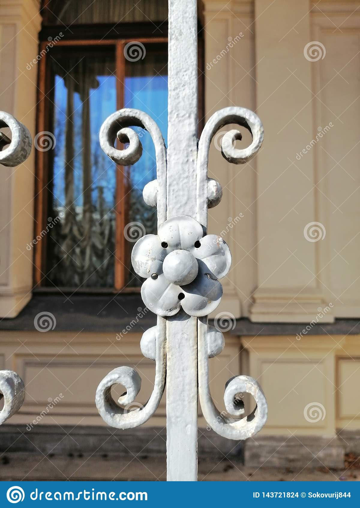 Деталь украшения ворот металла