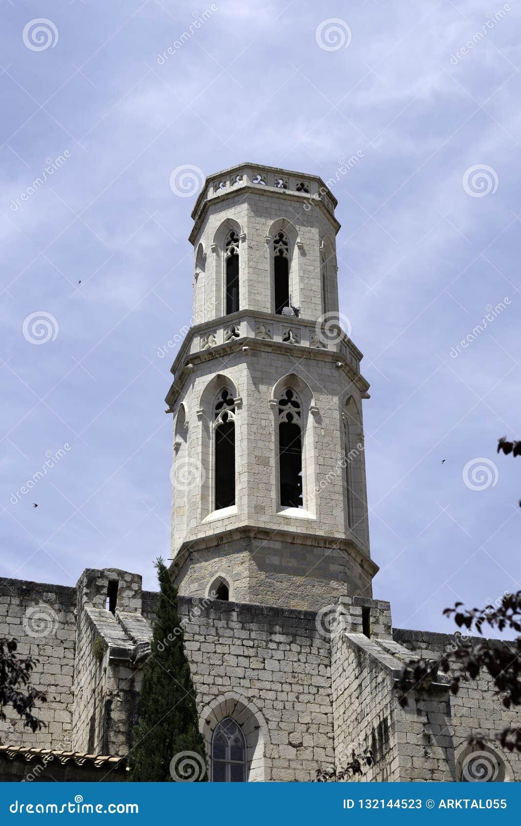 Деталь церков St Peter в Фигерасе, Испании