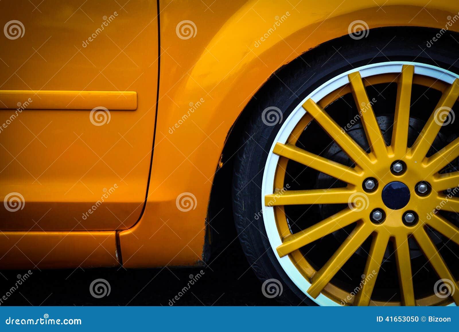 Деталь колеса автомобиля