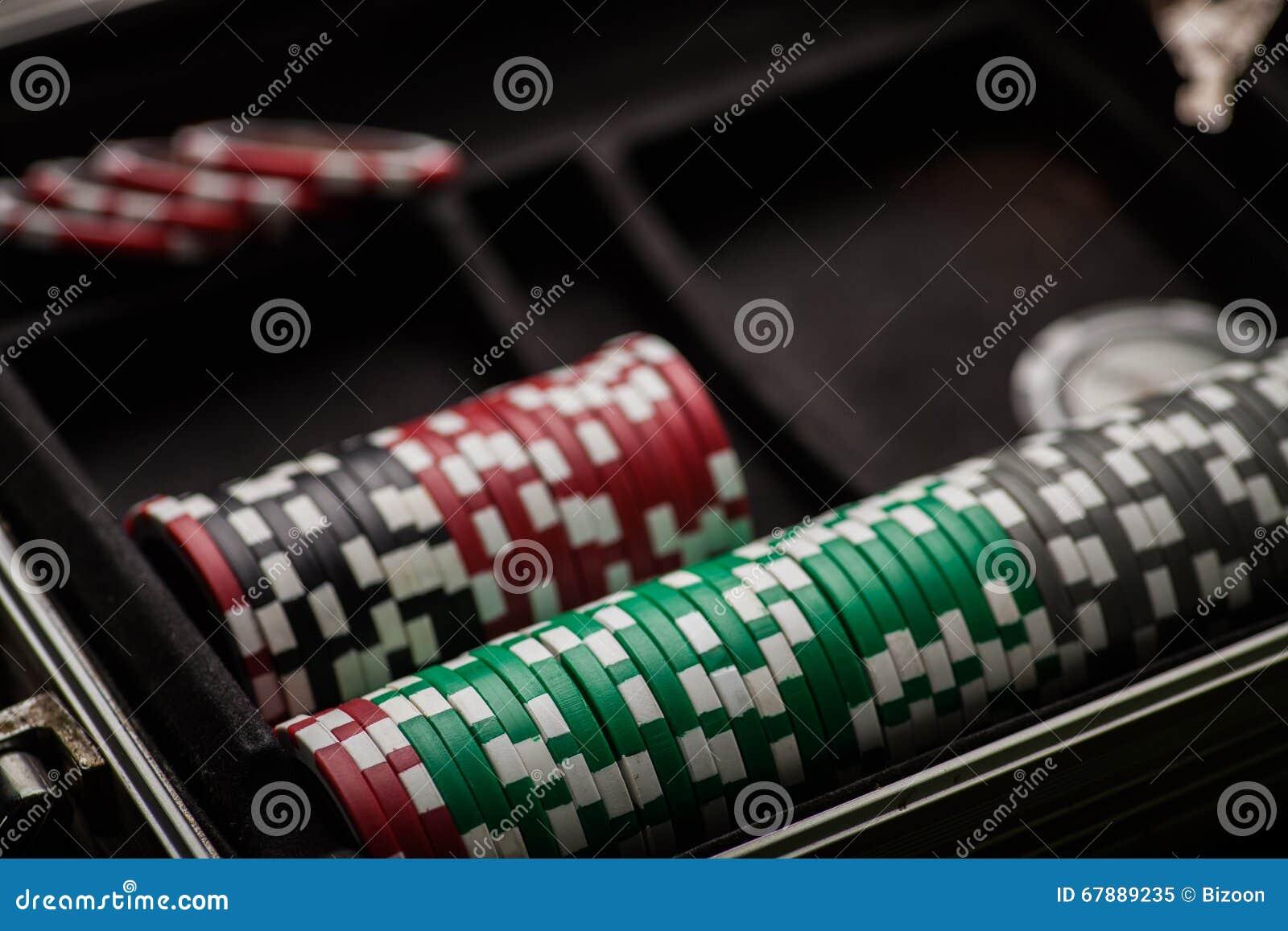 Деталь обломоков покера