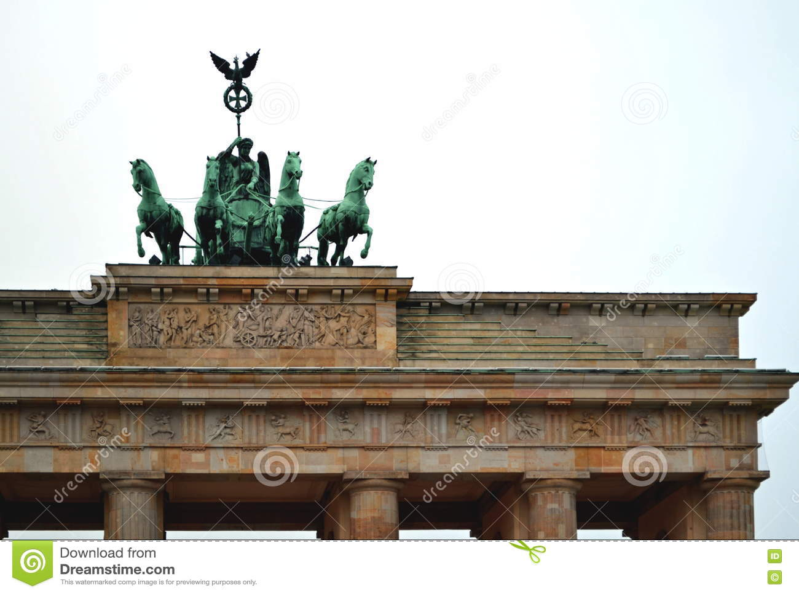 Деталь памятника скалистой вершины Brandenburger - от Pariser Platz