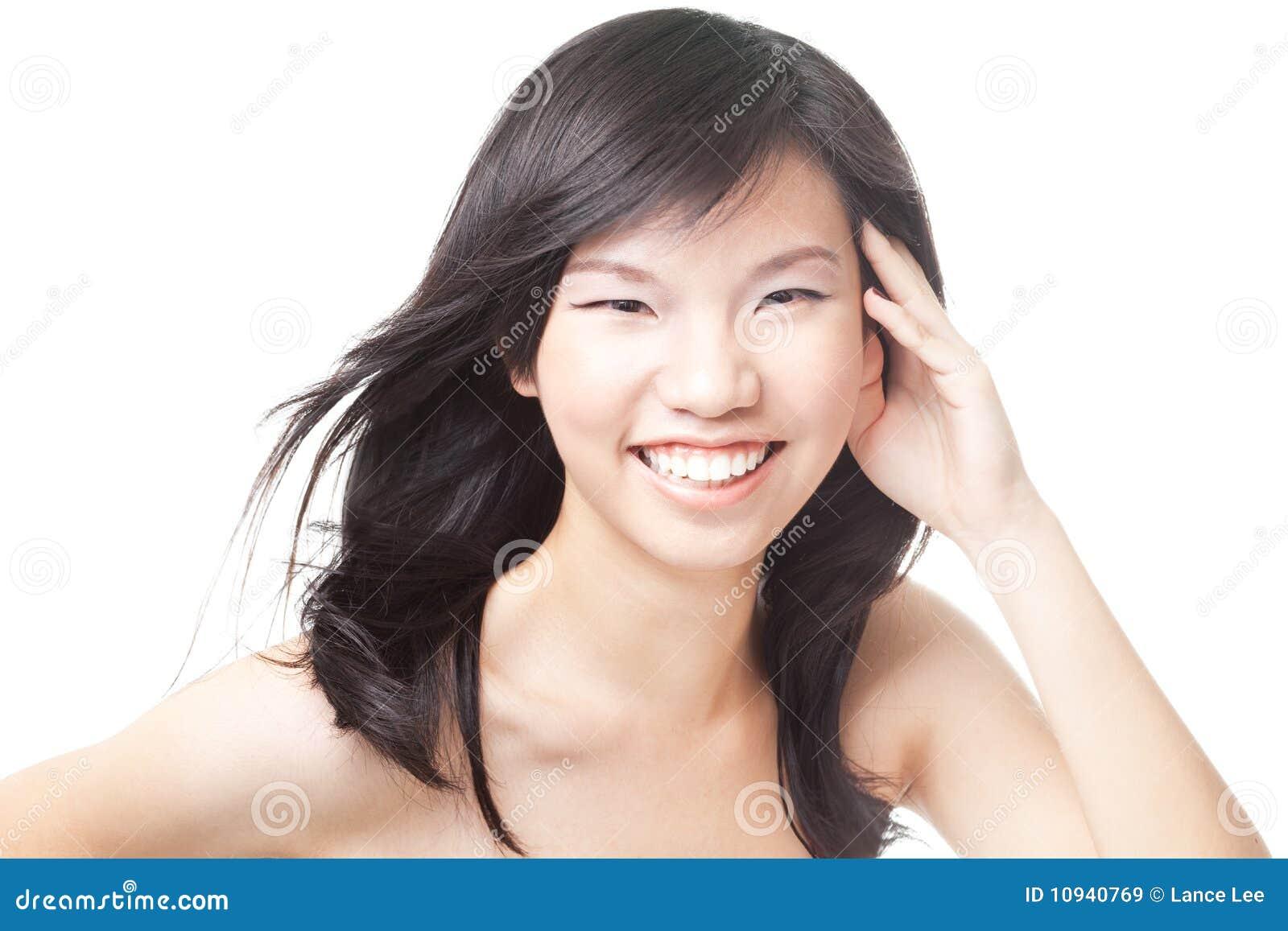 детеныши азиатского китайского подростка волос windswept
