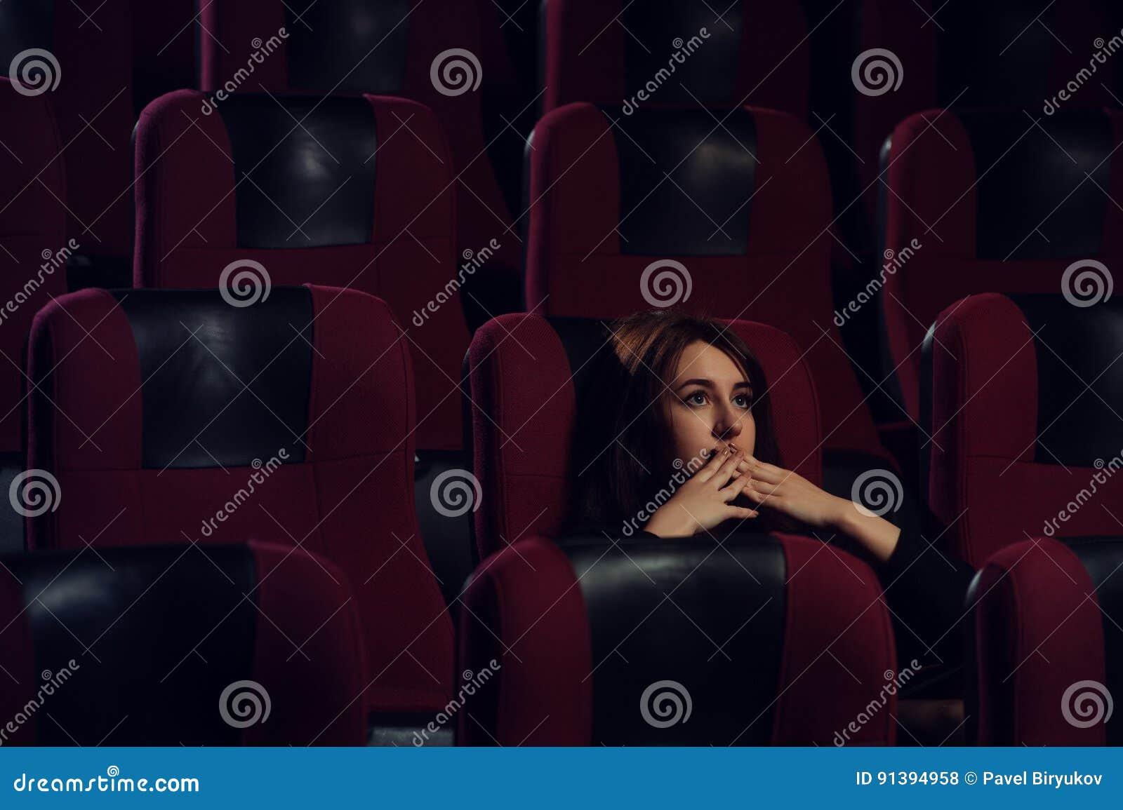 Как говорить с девушкой в кино