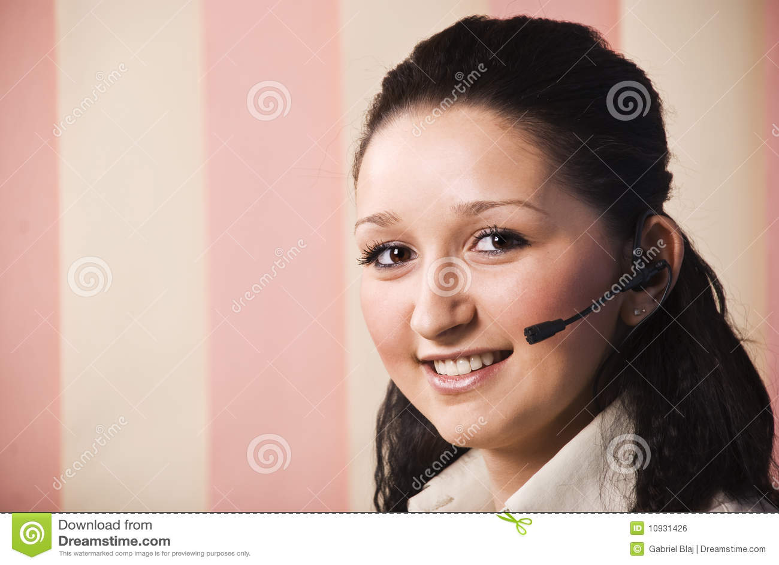 детеныши женщины обслуживания клиента